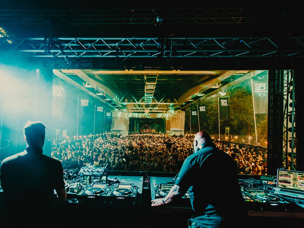 Junction 2 reveal stage splits and B2B sets
