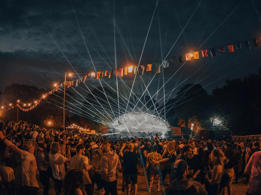 Live Review: Hospitality Weekend In The Woods 2021