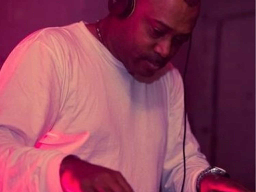 [Event Review] Nest : End of the World Party : Mike Huckaby & Darius Syrossian