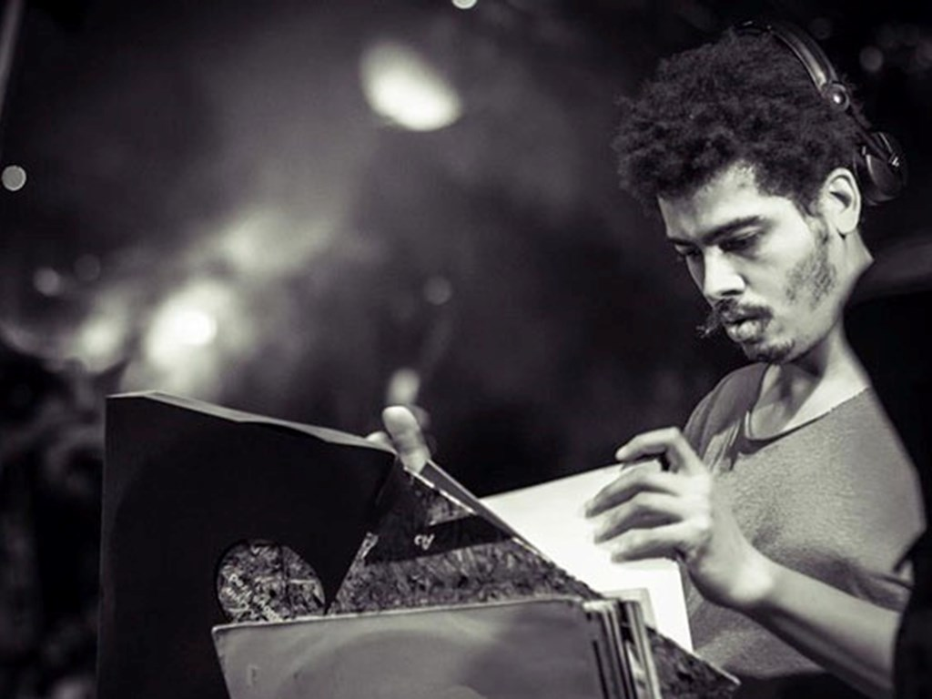 [Interview] Seth Troxler