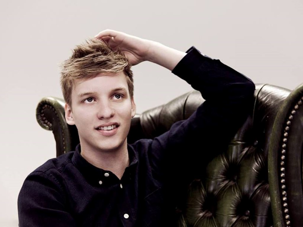 George Ezra and Christina Perri confirm dates at The Ritz Manchester