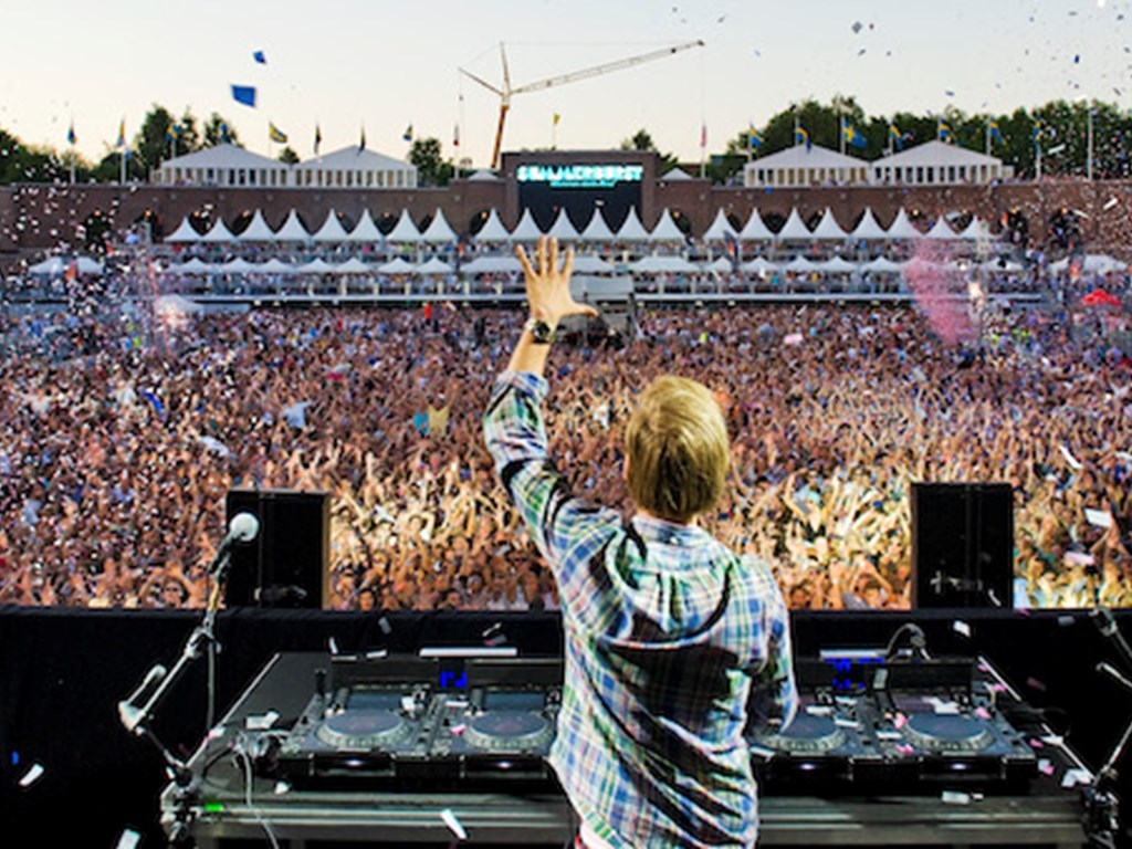 Avicii announces he will not perform live again after 2016 shows