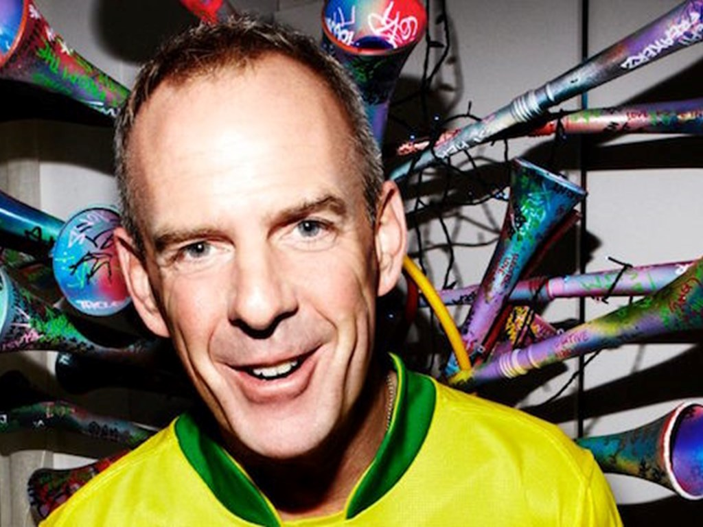 Smile High Club take to Tobacco Dock welcoming Fatboy Slim, 2ManyDJs and more