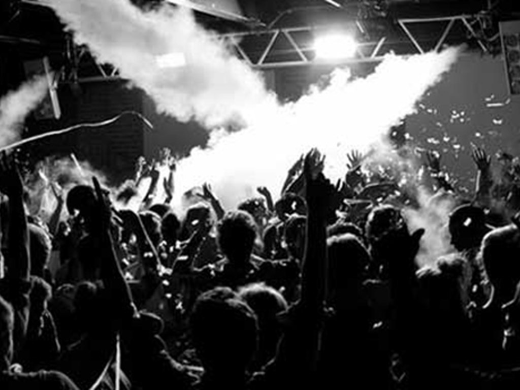 Soak & Up Yer Ronson head to Mint Warehouse for end of summer party