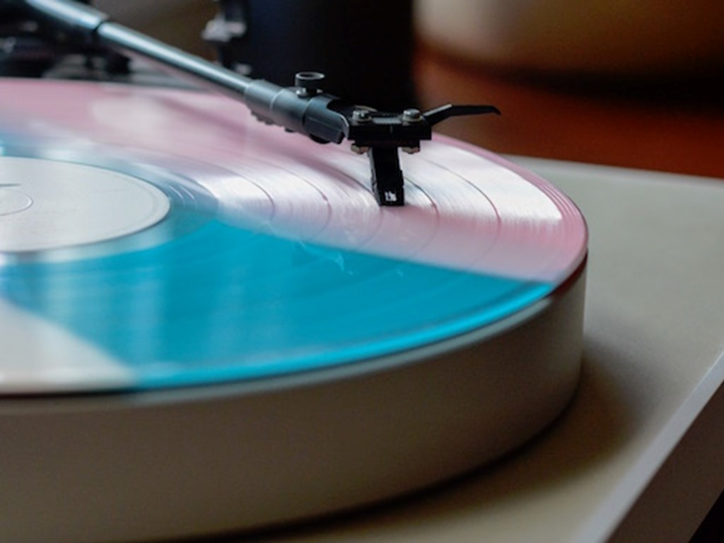 Vinyl sales at 25 year high as records outsell other formats for first time