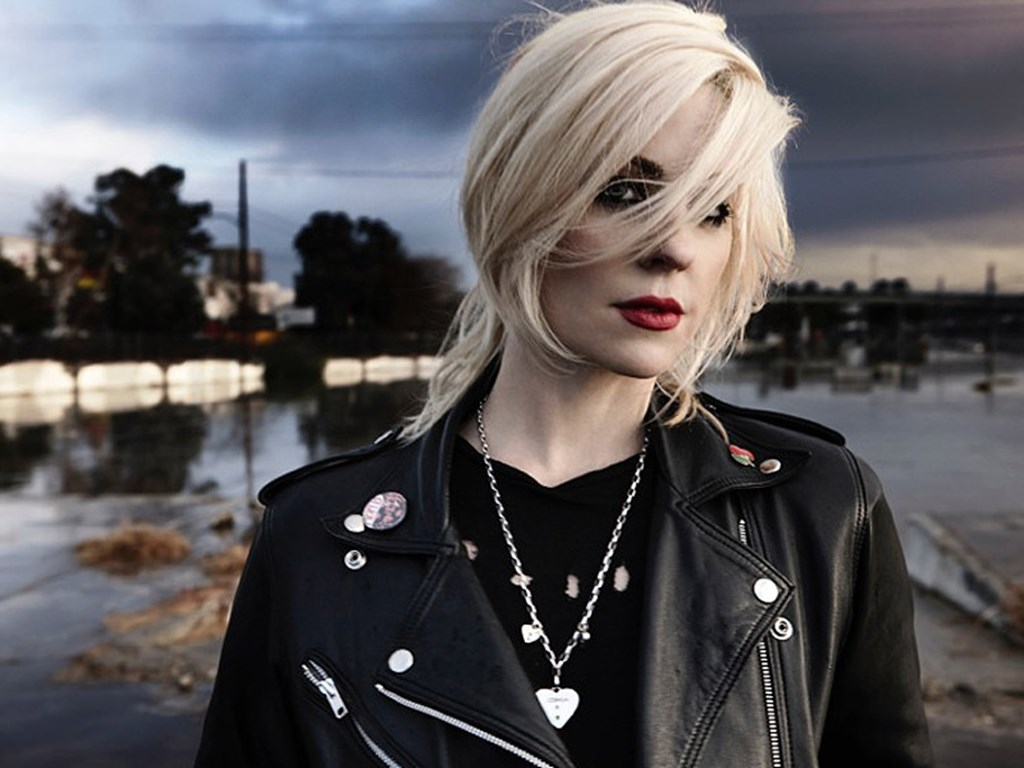 Brody Dalle, Miles Kane, Curtis Harding and more to join Queens Of The Stone Age in Finsbury Park